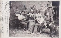 AK Foto Gruppe Deutsche Soldaten Beim Kartenspiel - 1915 (35742) - Guerra 1914-18