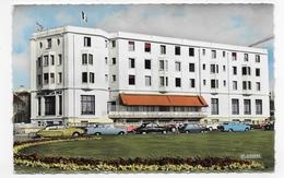 LE TOUQUET - L' HOTEL DE LA MER AVEC VIEILLES VOITURES - CITROEN DS - FORMAT CPA VOYAGEE - Le Touquet