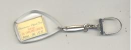 Porte-clés Publicitaire - Garage Ch. CARLENS - ORBON à BIHAIN - Distributeur Fiat - Oldtimer Fiat 124 (b232) - Porte-clefs
