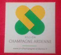 REGION CHAMPAGNE ARDENNE - AUTOCOLLANT - 8 X 8 Cm - Stickers