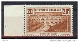 N° 262A PONT DU GARD TYPE I BORD DE FEUILLE * - Neufs