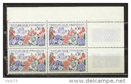 N° 1369 FLORALIE EN BLOC DE 4 AVEC TRES BELLE VARIETE BULLE SUR LA FACIALE ** - Variétés: 1960-69 Neufs