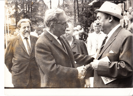 NOBEL ANDRIC-YUGOSLAVIA  NERUDA-CHILE  PHOTO  24cmx18cm - Prix Nobel