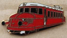 TRAIN - LOCOMOTIVE ARRONDIE  ROUGE-  (20) - Transportation
