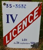 Plaque émaillée Licence IV Dept 35 Années 1950,H: 20 L:15 - Enseignes