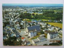 CP 56 LANESTER   Près De LORIENT  - L'église Du Plessix Et L'école !! - Lanester
