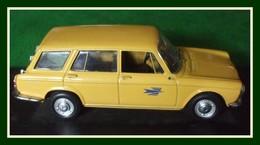 Simca 1300 Beak La Poste 1966 Uninersal Hobbies 1/43 (1 Essuie Glace Recollé) - Cars & 4-wheels