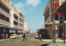 NOUMÉA, N.-Calédonie.Le Centre Commercial: La Rue De L'Alma / Alma Street. Coches, Voitures. No Circulada / Non Voyagée - Nueva Caledonia