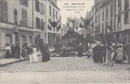 SAINT-SERVAN - La Rue Des Bas-Sablons Le Jour Du 15 Août - Belle Animation - TBE - Saint Servan