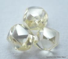NATURAL DIAMONDS OUT FROM DIAMOND MINES HIGH CLARITY BEAUTIFUL GEMSTONES - Diamond