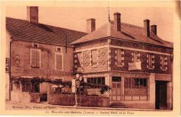 NOYERS SUR SEREIN ANCIEN HOTEL DE LA POSTE ,POMPE A ESSENCE REF 56597 - Noyers Sur Serein