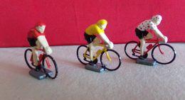 Metal   Coureurs Cycliste Maillot A Pois, Jaune , Rouge De La Marque Champion Lot De 3 - Figurines