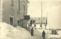 LAJOUX (Jura)  -  Chez Arthur - Pension Le Bon Accueil -  Autobus Citroën - Otros Municipios