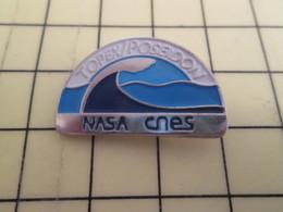 713i Pin's Pins / Rare Et De Belle Qualité !!! THEME : ESPACE / TOPEX POSEIDON MISSION NASA CNES - Space