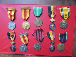 BELGIQUE LOT 10 DECORATIONS DIVERS POIDS :240 GRAMMES - Army & War