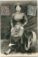 INDOCHINE CARTE POSTALE FEMME DE ? AVEC OBLITERATION HAIPHONG 8 DEC 05 TONKIN - Cartes Postales