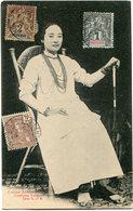 INDOCHINE CARTE POSTALE -FEMME ANNAMITE -COSTUME SAIGONNAIS AVEC OBLITERATION SAIGON-CENTRAL 15 DEC 05 COCHINCHINE - Cartes Postales