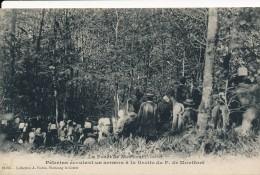 CPA 85 Forêt De Mervent Pèlerins écoutant Un Sermon à La Grotte Du Père De Monfort - Altri Comuni