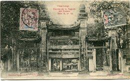 INDOCHINE CARTE POSTALE CHUA-LANG -ENTREE DE LA PAGODE DES DAMES AVEC OBLITERATION HANOI 8 DEC 05 TONKIN - Cartes Postales