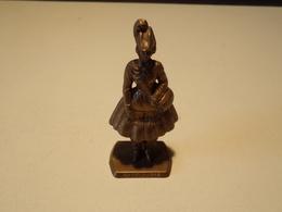"Figurine En Plastique  Cantinière "" Mokarex "" - Figurines"