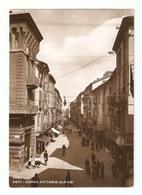 CT--02607--  ASTI - CORSO VITTORIO ALFIERI - ANIMATISSIMA - BCICLETTE-RIVENDITA TABACCHI.-VIAGGIATA 1940 - Asti
