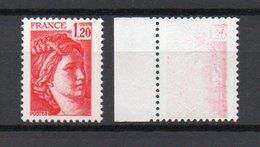 - FRANCE - N° 1974 Neuf ** - 1 F. 20 Rouge Type Sabine 1977-78 - Variété IMPRESSION DEPOUILLEE PRESQUE A SEC - - 1977-81 Sabine De Gandon