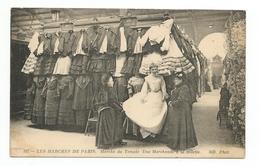 75 - Les Marchés De PARIS - Marché Du Temple - Une Marchande à La Toilette / TOP ANIMÉE  Superbe Etat - Petits Métiers à Paris