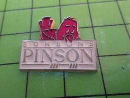 812g Pin's Pins / Rare Et De Belle Qualité !!! THEME : ALIMENTATION / BONBONS PINSON OISEAU ROUGE - Levensmiddelen