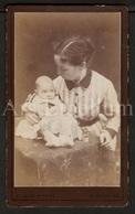 Photo-carte De Visite / CDV / Bébé / Baby / Photographer / England / Mother / Mère - Anciennes (Av. 1900)
