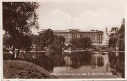 LONDON - Buckingham Palace … , Gel.1934, Transportspuren - Buckingham Palace