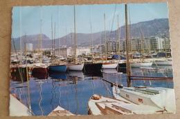 TOULON -  Le Port De Plaisance, Le Quai Stalingrad Et La Préfecture Maritime ( 83 Var ) - Toulon