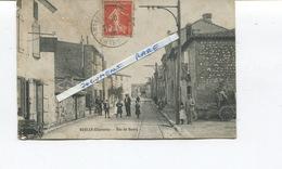 Rare CPA - RUELLE Sur TOUVRE - RUE DU BOURG  - Rail Du Tramway En 1909 - Très Animée - France