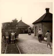Photo Originale Wagon, Train & Micheline à Quai à La Gare à Chiemsee-Bahn - 83209 Prien Am Chiemsee, Allemagne - Treni
