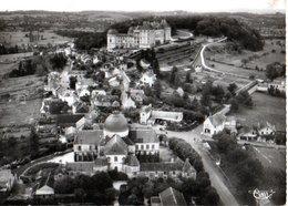 Hautefort Vue Generale Au Fond Le Chateau 1961   CPM Ou CPSM - Francia