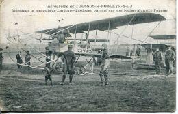 N°63811 -cpa Aérodrome De Toussus Le Noble -le Marquis De Lareinty Tholozan Sur Biplan Farman- - Aerodromes