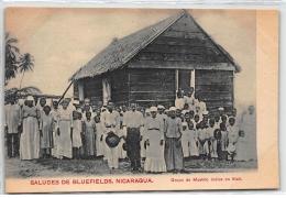 NICARAGUA : Saludes De Bluefields, Grupo De Moskito Indios En Klah - Tres Bon Etat - Nicaragua