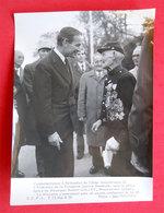 1973  Rethondes Photo Robert Galley & Ancien Poilu WW1 Bardé De Médailles Photo Jean Boubier 24x18cm - Guerre, Militaire