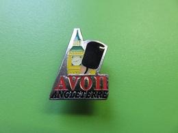 245 - Pin's - Avon Angleterre - Cosmétique - Parfum - Perfume