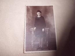 CARTE PHOTO JEUNE FEMME POSANT ...PHOTO J. MANAS ..STRASBOURG - Femmes