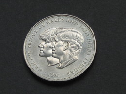 25 New Pence 1981-Royal Wedding Commemorative Crown  - Great Britain - Grande Bretagne  **** EN ACHAT IMMEDIAT **** - 1971-… : Monnaies Décimales