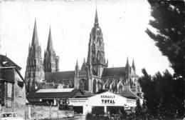 14-BAYEUX - CATHEDRALE NOTRE-DAME ( VOIR POMPES A ESSENCE ) - Bayeux