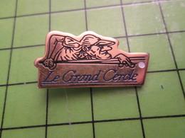 211B Pin's Pins / Rare Et Beau  SPORTS : LE GRAND CERCLE JOUEUR DE BILLARD - Billiards