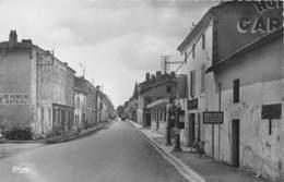 79-BRIOUX-SUR-BOUTONNE - VOIR POMPES A ESSENCE GARAGE - Brioux Sur Boutonne