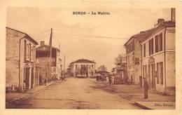 17-BORDS- LA MAIRIE - France