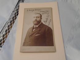 PORTRAIT 11 X 16,5 Cm Dédicacé Du Compositeur Paul Vidal Au Compositeur Georges Krieger En 1909 Photographe Pierre Petit - Autographs