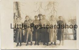 Foto Russische Backfische Mädchen Junge Frauen Panje Bei Baranowitschi Weissrussland Russland Ca. 1916 - Guerre 1914-18