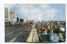 CPsm  62 : BOULOGNE   Le Port    A  VOIR  !!!! - Boulogne Sur Mer