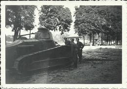 Beauvais Place Du Jeu De Paume WWII Tank Char Renault FT - War, Military