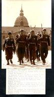 Militaria, Photo Originale 130 X 180, Légion étrangère Quitte Sidi-bel Abbes Pour Marseille 1962 - Documents