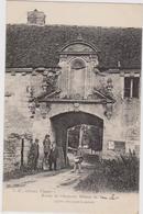 CARTE POSTALE   Entée De L'ancienne Abbaye De VAUCLERE 02 - France